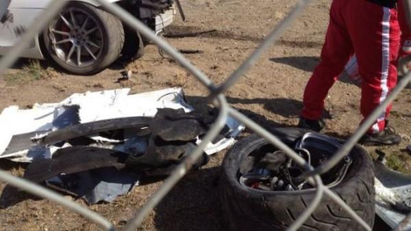 高級スポーツカー事故で大破 (27)