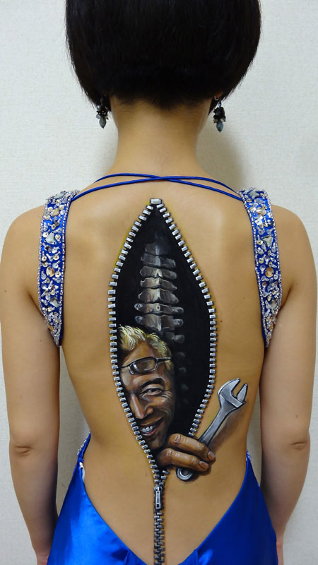 3d-acrylic-body-paintings-by-hikaru-cho-11