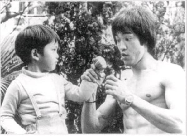 Bruce Lee (26)