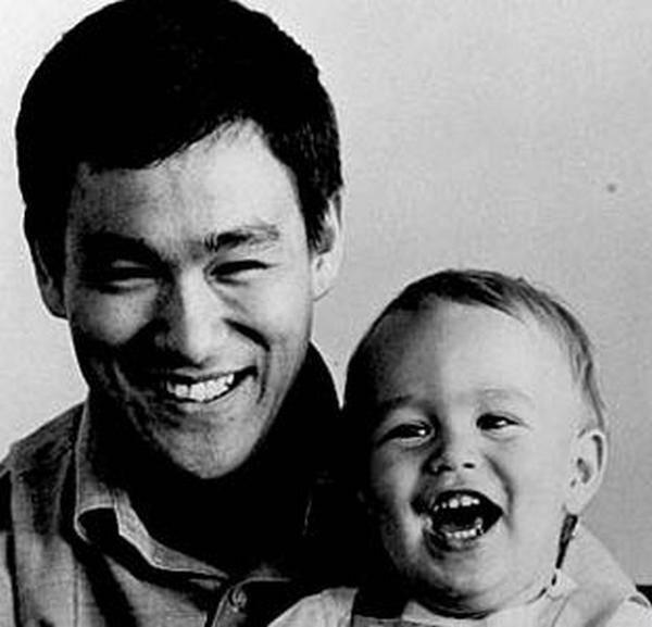 Bruce Lee (28)