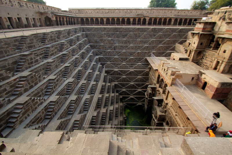 chand-baori-stepwell-india (10)