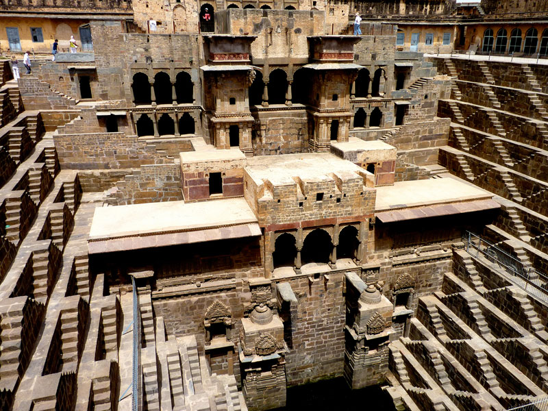 chand-baori-stepwell-india (11)