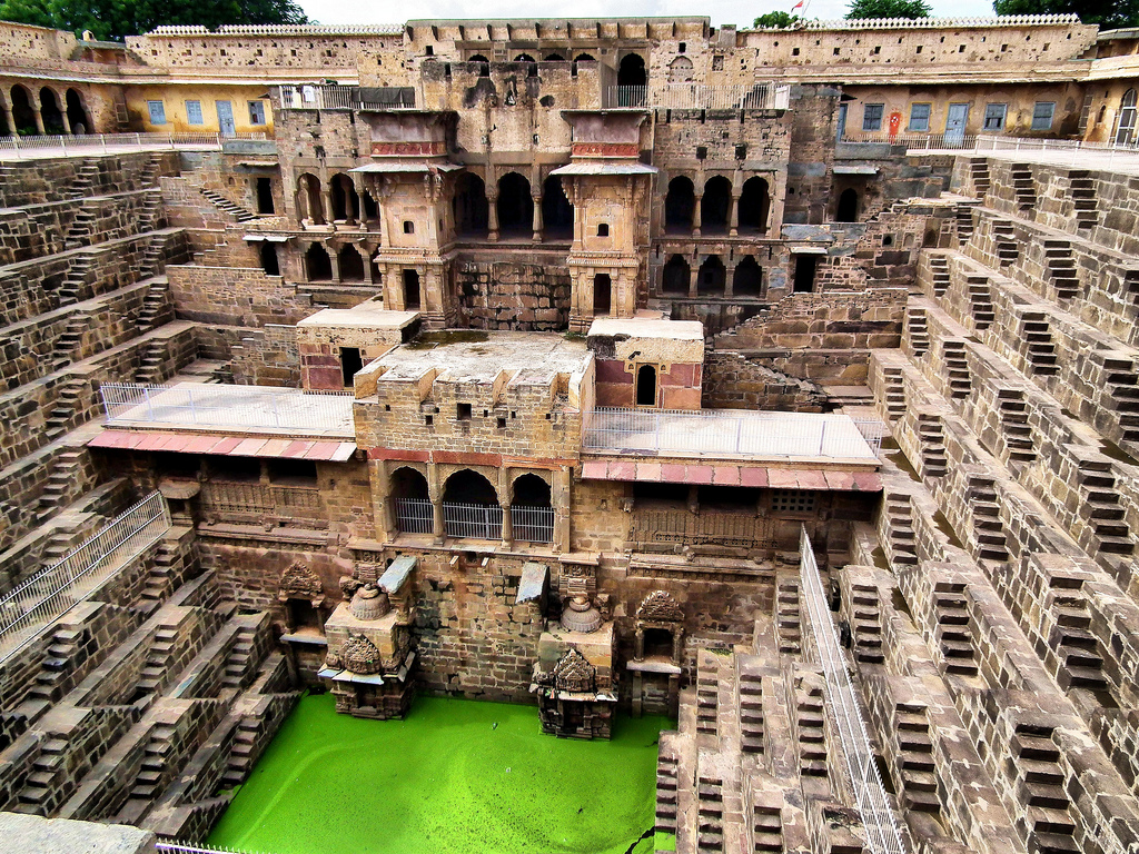 chand-baori-stepwell-india (6)
