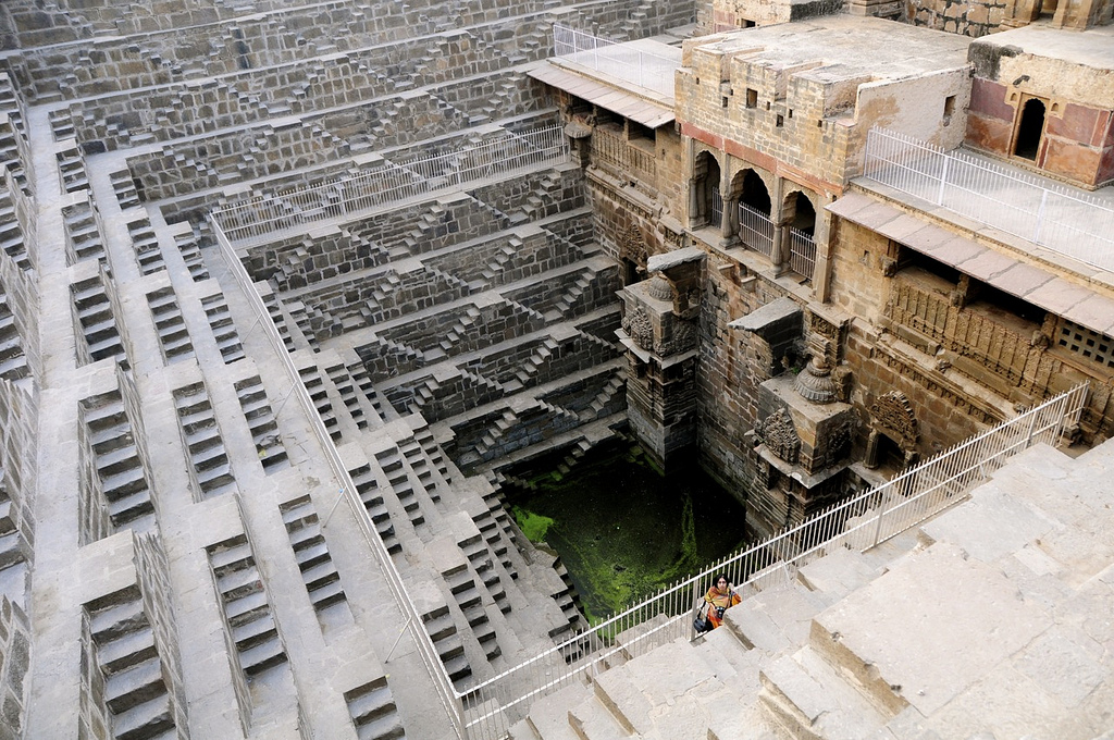 chand-baori-stepwell-india (7)