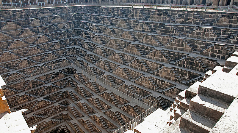 chand-baori-stepwell-india (9)