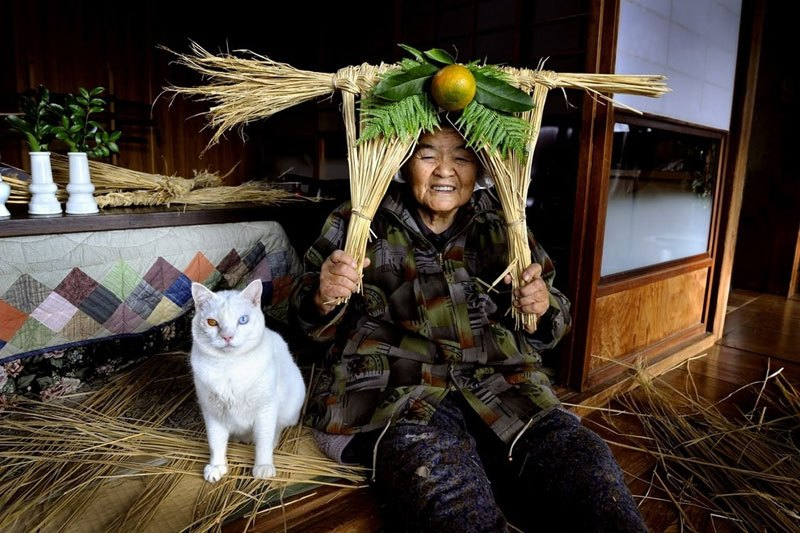 japanese-grandma-and-her-cat-miyoko-ihara-19
