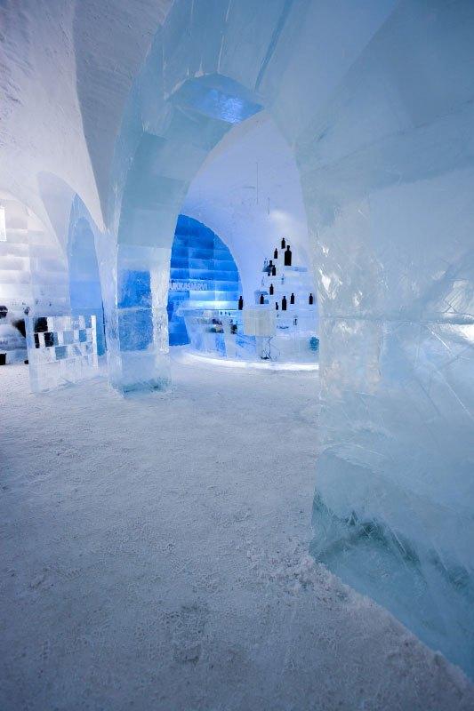 世界最大の氷と雪のアイスホテル (11)