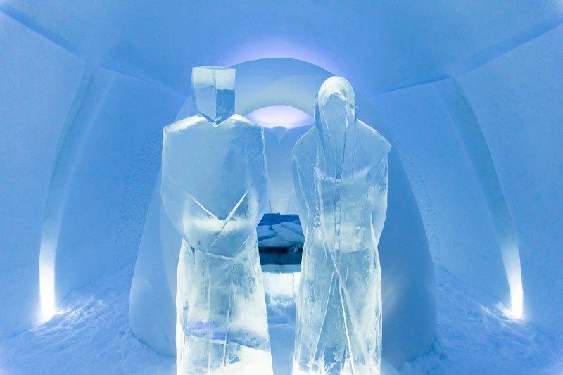 世界最大の氷と雪のアイスホテル (15)
