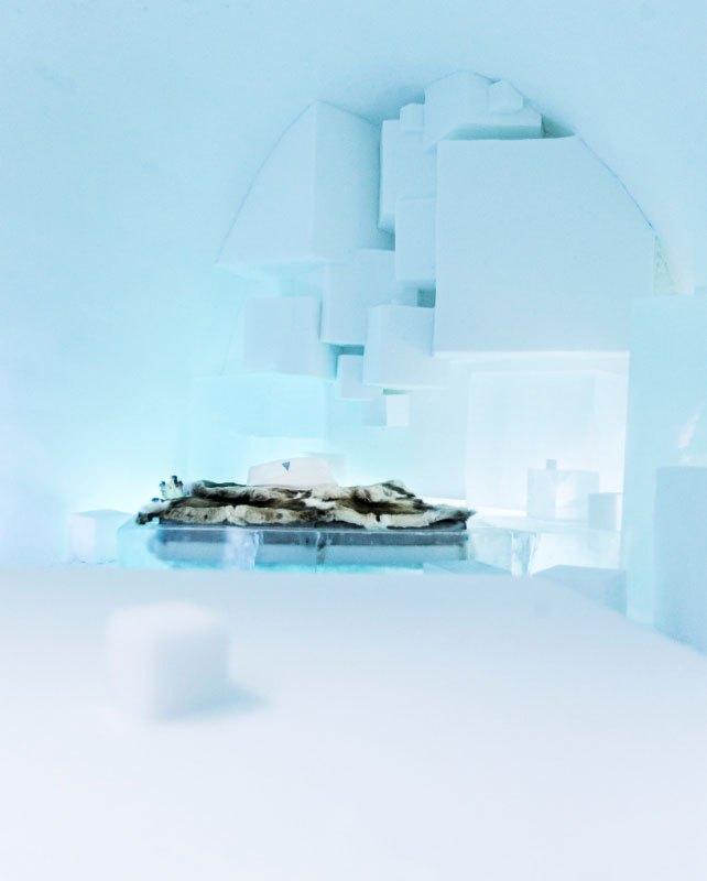 世界最大の氷と雪のアイスホテル (16)