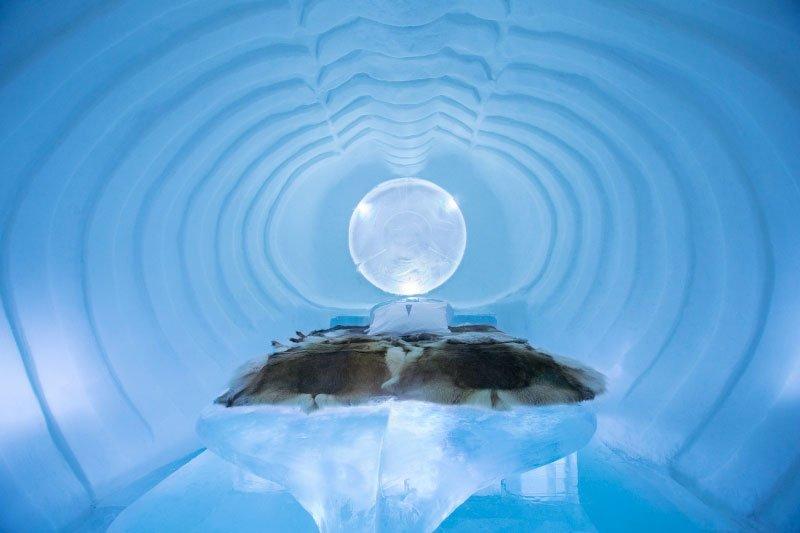世界最大の氷と雪のアイスホテル (2)
