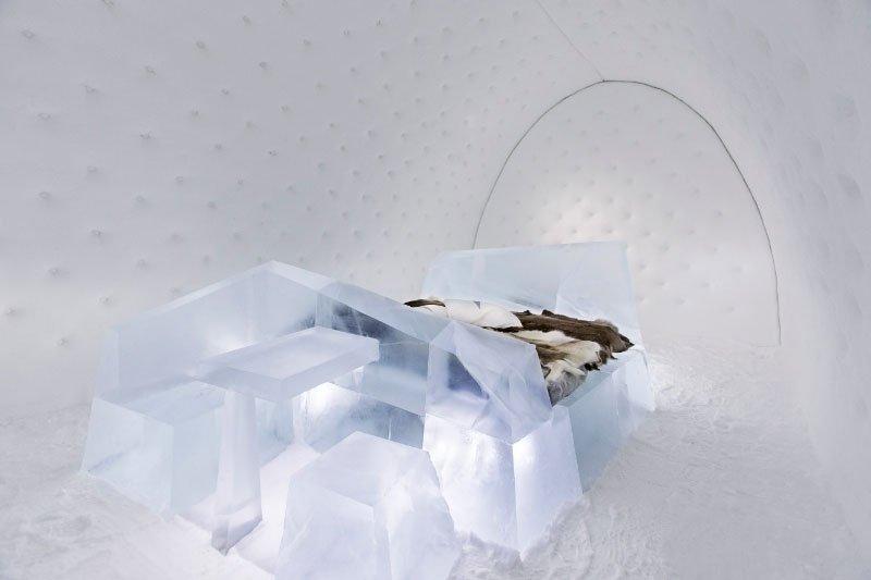 世界最大の氷と雪のアイスホテル (22)