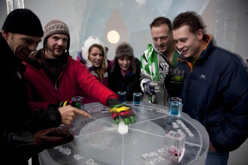 世界最大の氷と雪のアイスホテル (9)