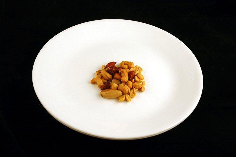 各種食品の200カロリーはどのように見えるか (24)