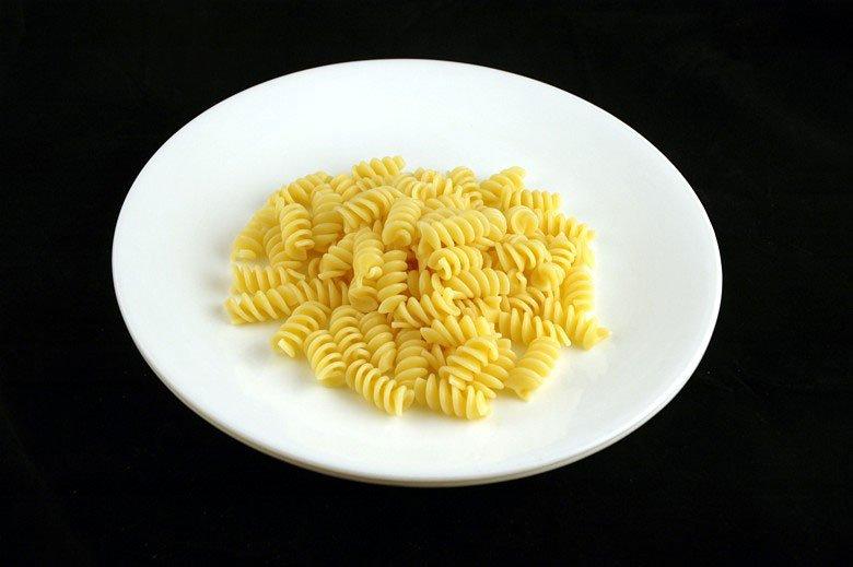各種食品の200カロリーはどのように見えるか (9)