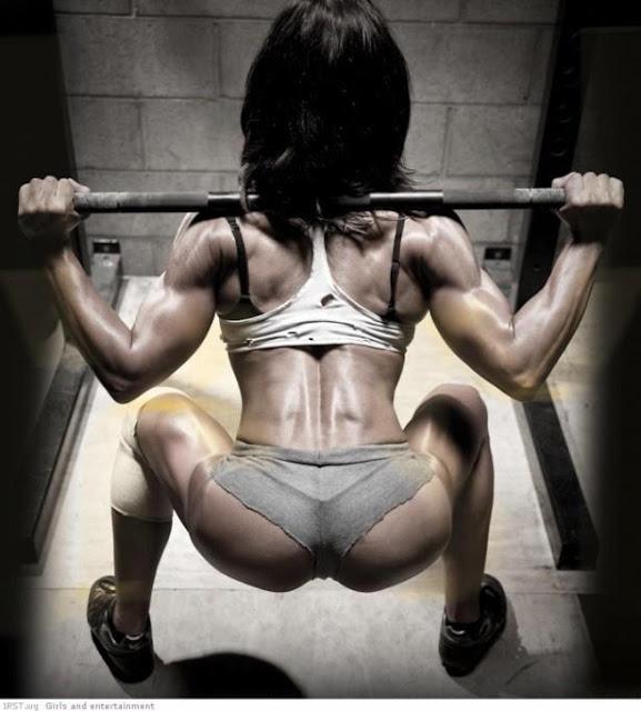 クロスフィットの女性の健康的で美しい身体! (1)