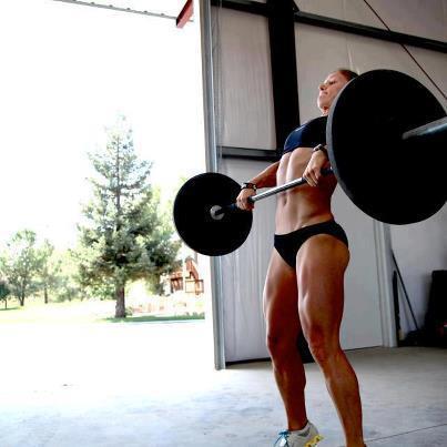 クロスフィットの女性の健康的で美しい身体! (16)