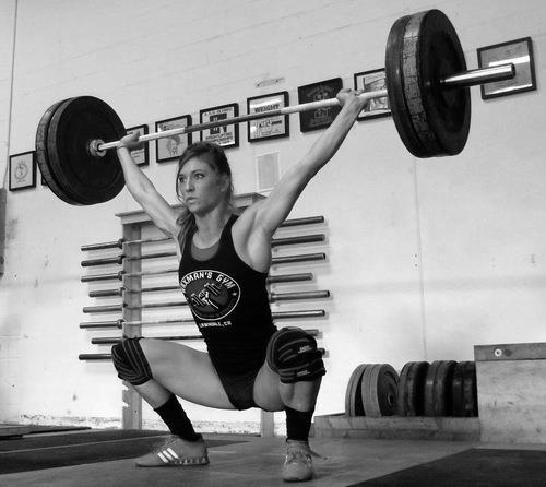 クロスフィットの女性の健康的で美しい身体! (17)
