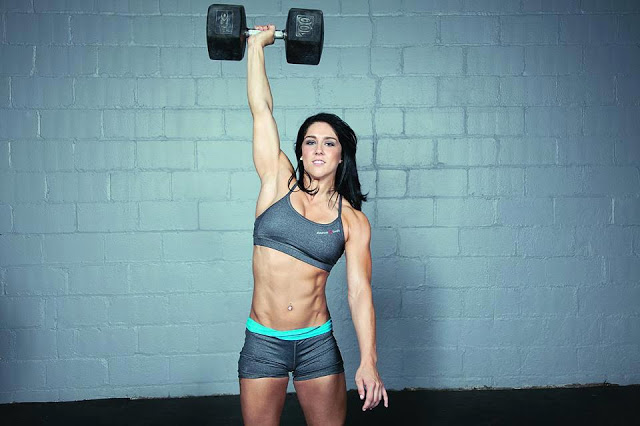 クロスフィットの女性の健康的で美しい身体! (20)