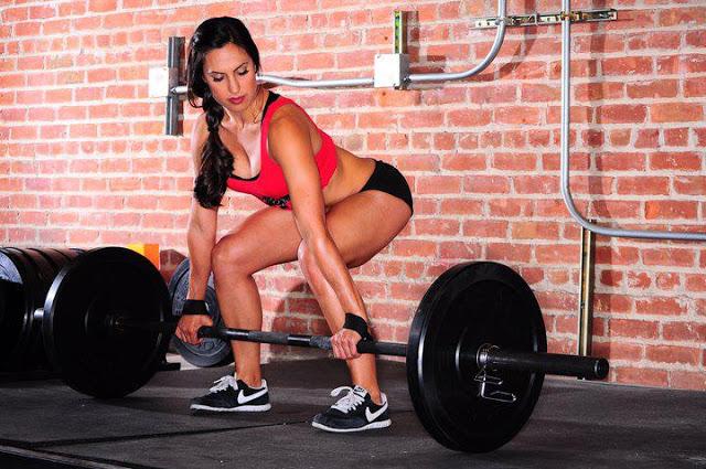 クロスフィットの女性の健康的で美しい身体! (4)