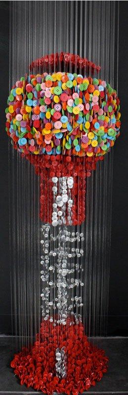 ミシンボタンから作られた吊り彫刻がすごい (3)