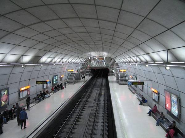 世界のかっこいい地下鉄駅の画像