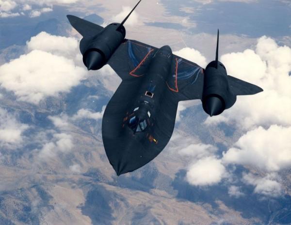 世界最速の飛行機 SR 71ブラックバード
