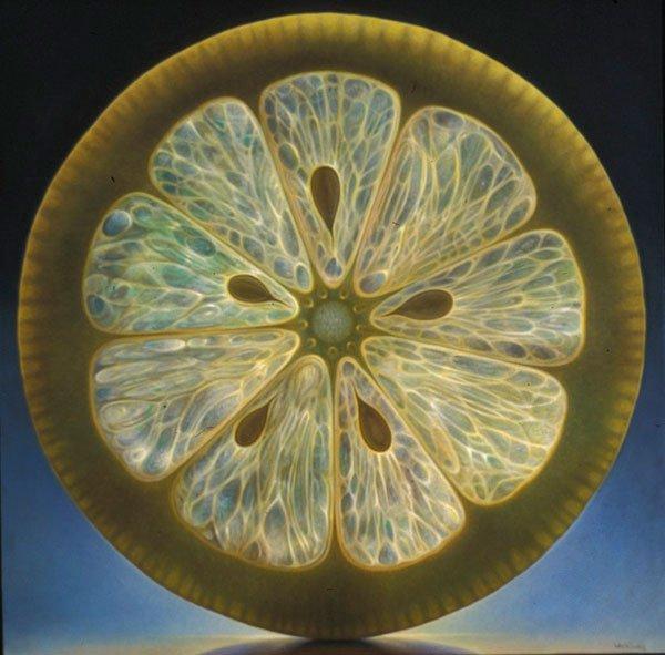 光と半透明の果実が美しい