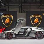 ランボルギーニとフェラーリは最新のスーパーカーを発表